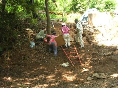 (写真3)発掘調査の様子