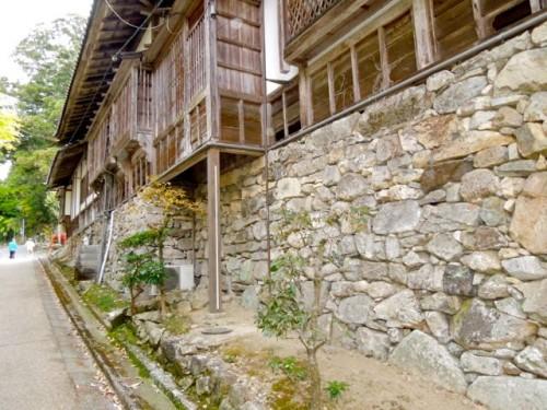 (写真5)滋賀県、日吉大社の穴太積みと掛け造り