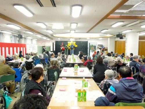 今年の新年会には約100名が出席されました。