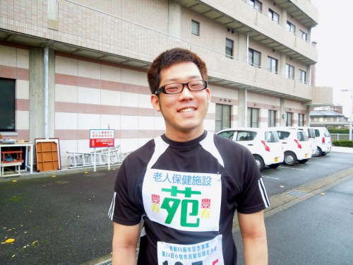 優しい野獣、加藤君。緊張のあまりシャツを前後間違えて着てしまいました(笑)